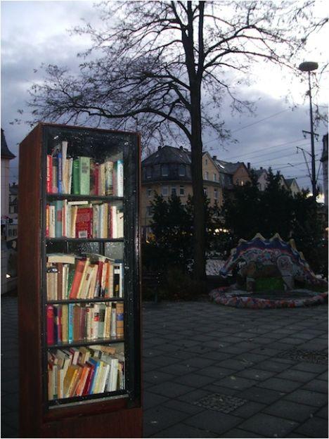 Biblioteke i knjižare na otvorenom Frankfurt-Nema%C4%8Dka