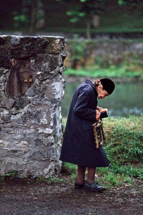 FRANCE-10049, Lourdes, France, 09/1989
