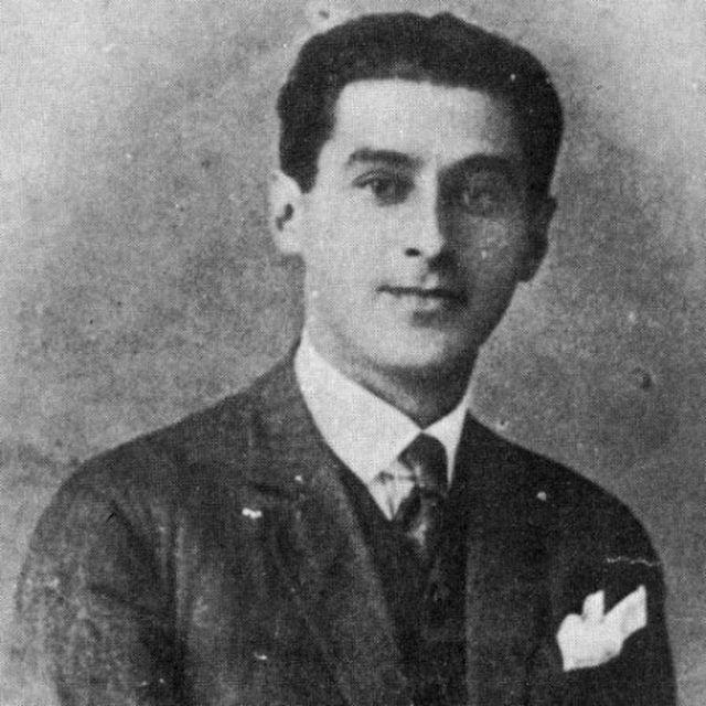 Miloš Crnjanski iz studentskih dana (foto arhiva Politike)