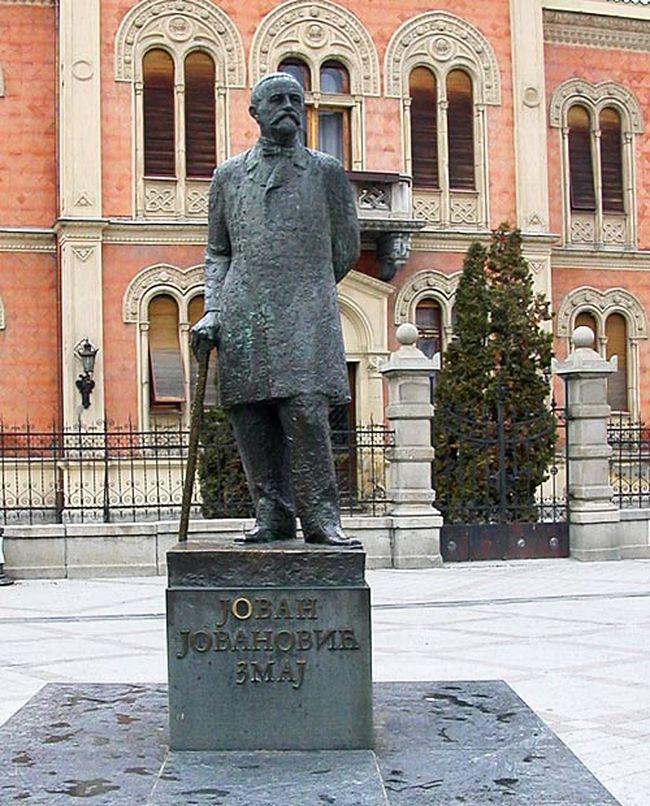 spomenik_cika_jova_zmaj_novi_sad